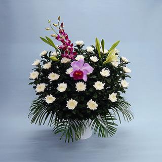 葬儀用供花:15,000-30,000円