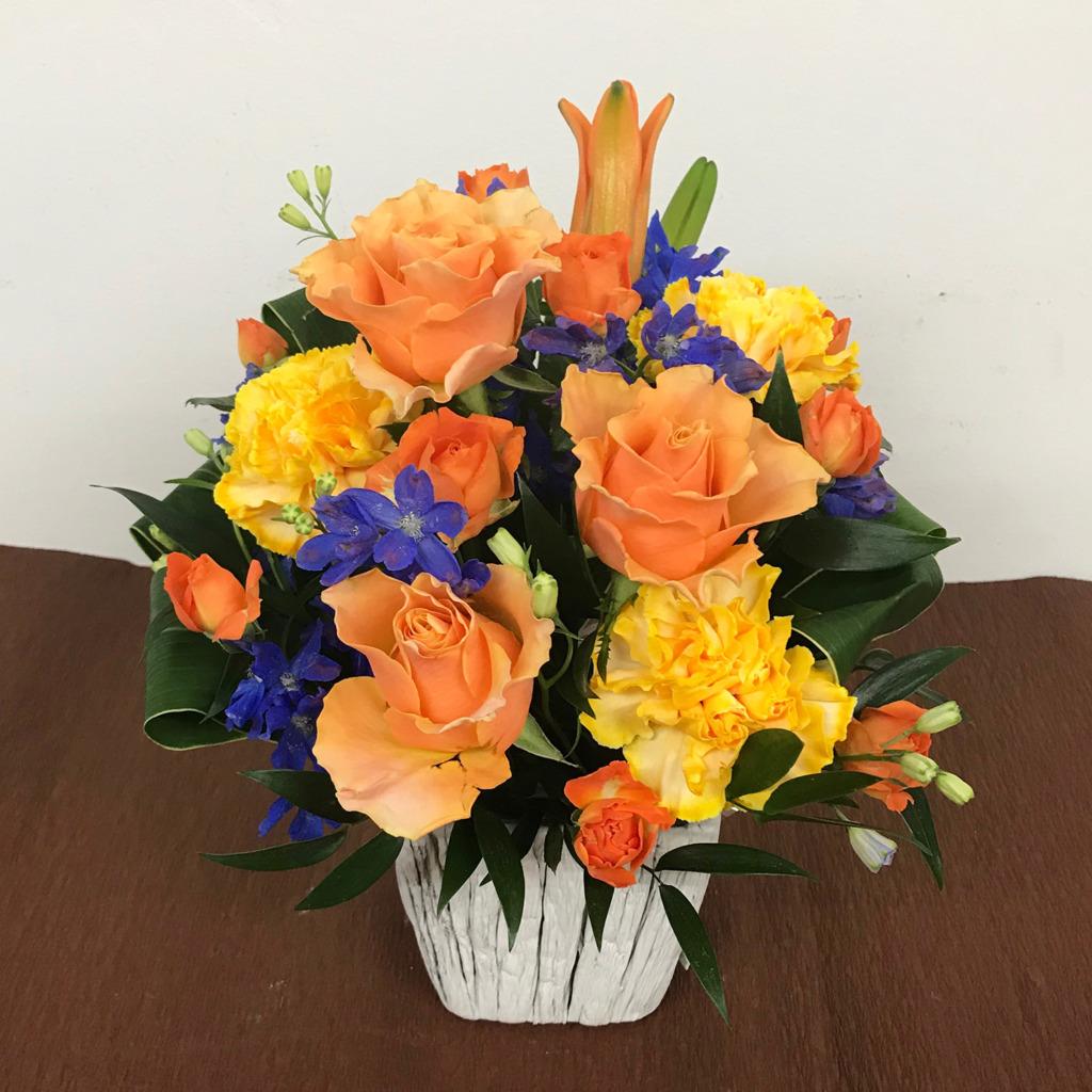 青とオレンジのアレンジメントSサイズ(H35)