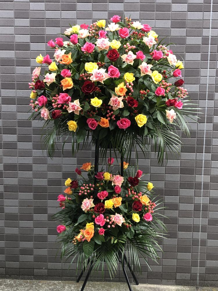 バラのMIX 黒パイプ 2段スタンド花(H190)