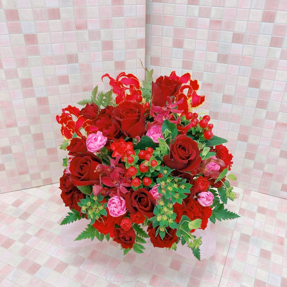 赤バラとピンクカーネーションのアレンジメント(H35)