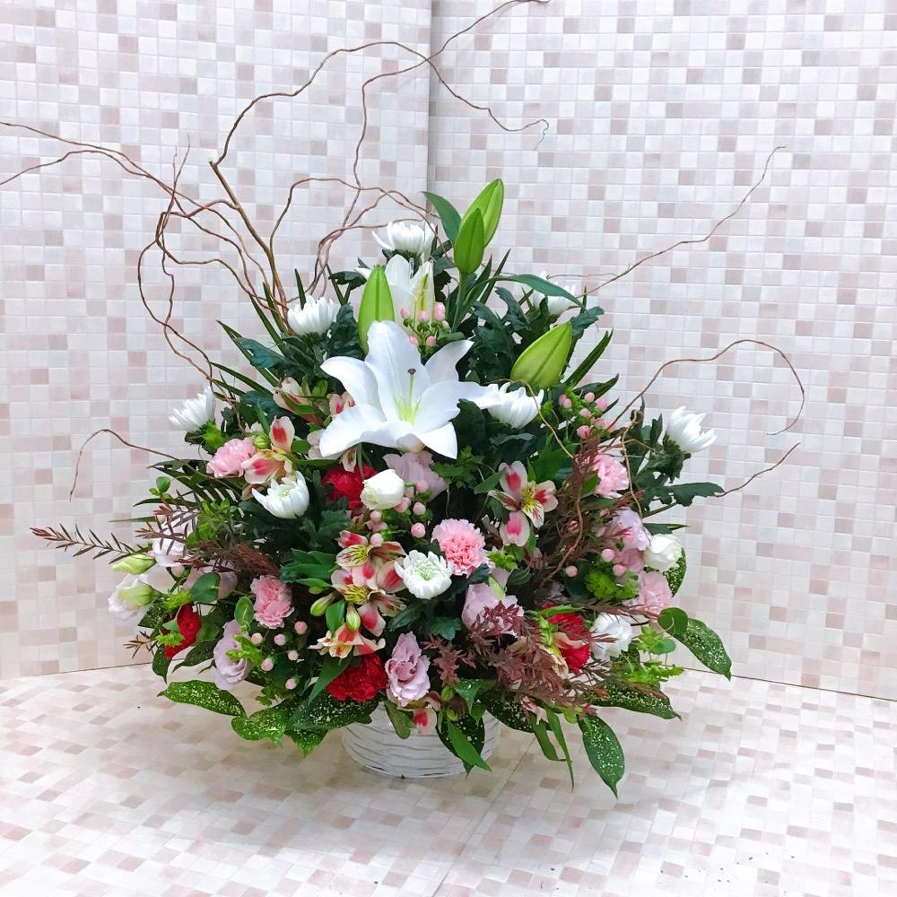 【供花】ユリ入り白ピンクの和洋お供えアレンジ(H55)