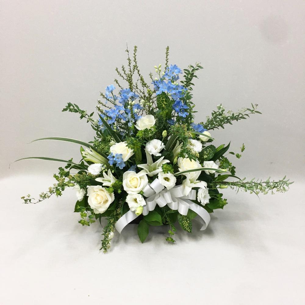 【供花】ホワイトスカイブルーアレンジメント(H50)