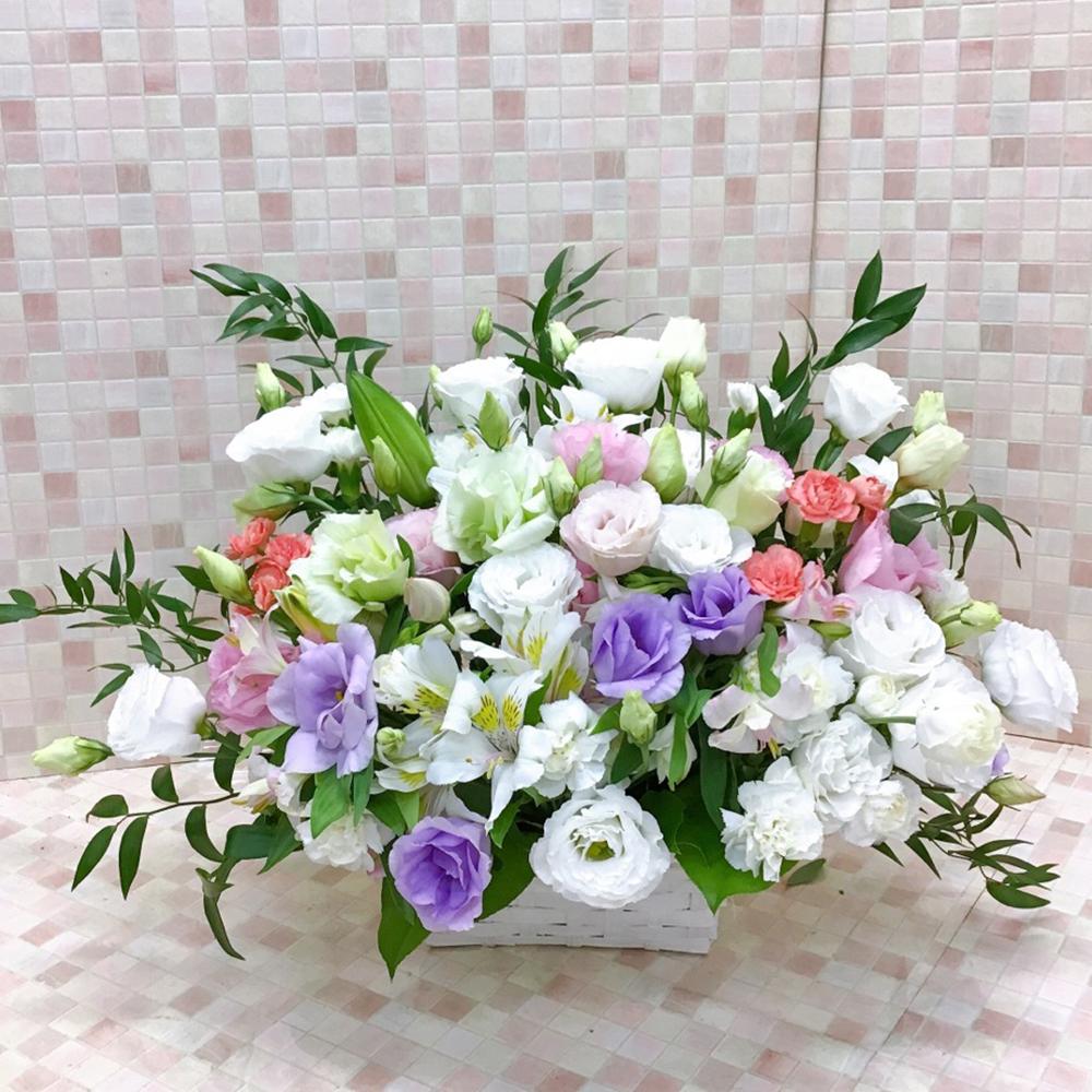 【供花】トルコキキョウとカーネーションのスタンダードアレンジWP(H40)